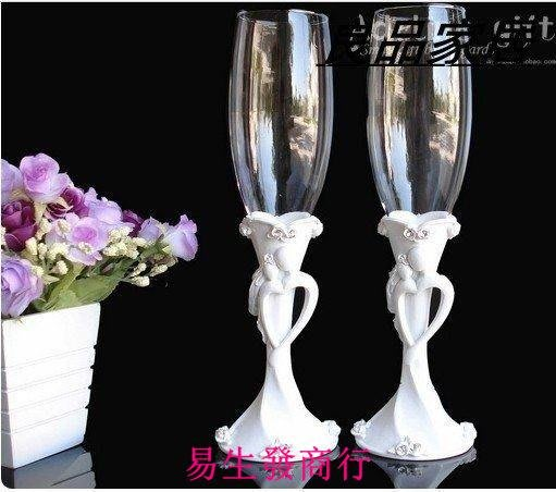 【易生發商行】花飛蝶舞歐式結婚禮物 婚禮香檳杯子交杯酒杯 創意對杯香檳杯一F6314