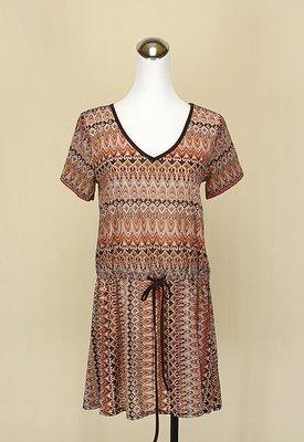 貞新二手衣 CLASSA 日本 咖啡民俗風V領短袖牛奶絲洋裝L號(21163)