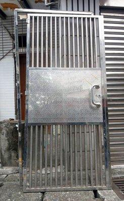 耐用不生鏽《八成新》精鑄絲面純304不鏽鋼《含門框》白鐵門
