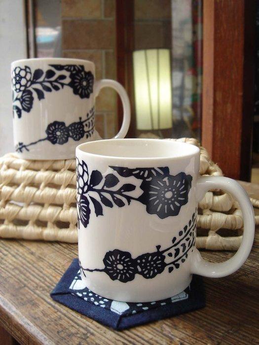!中國藍Anewei藍染馬克杯-白玫瑰與蝴蝶翩翩兩款-萊爾富運費半價