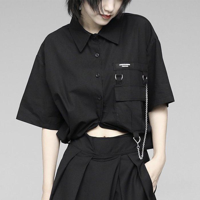 CHIC U 暗黑先鋒黑白襯衫夏季新款復古設計感小眾寬松短款高腰露臍工裝上衣