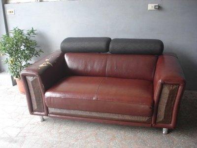沙發達人:  專業沙發修理、修理沙發換皮(布)、翻新、訂做--E相片就可估價!