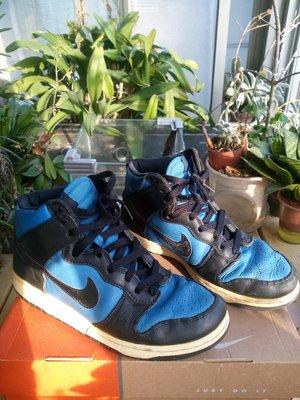 百看DUNK耐看耐收 收藏超過十年 NIKE DUNK Hi Le US8號 藍黑配色高筒 右鞋內側一處擦痕 良好