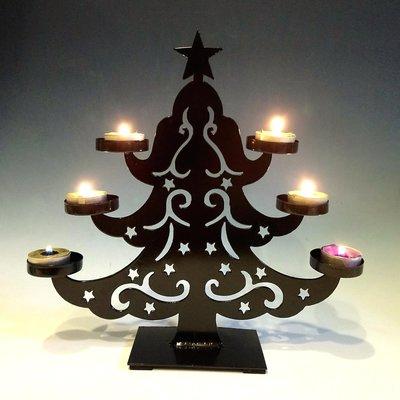 聖誕樹鑄鐵鏤空燭台:聖誕節 聖誕樹 鑄鐵 鏤空 燭台 照明 蠟燭 居家 家飾 設計 收藏 禮品 雜貨