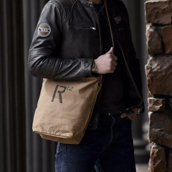 ~皮皮創~原創設計手作包。美式復古帆布包實用款古著風真皮配帆布水桶包斜背包