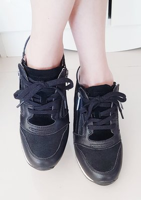 【Pierre Cardin皮爾卡登】內增高休閒鞋 /  37號胖腳38號剛好的MM