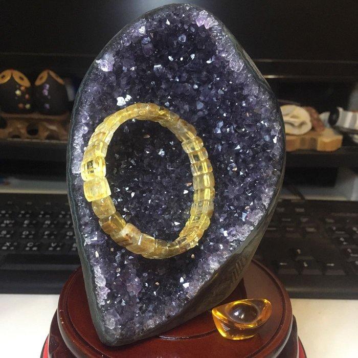 烏拉圭紫水晶鎮 迷你晶洞 內凹 甕型 薄皮 小晶洞 紫晶洞