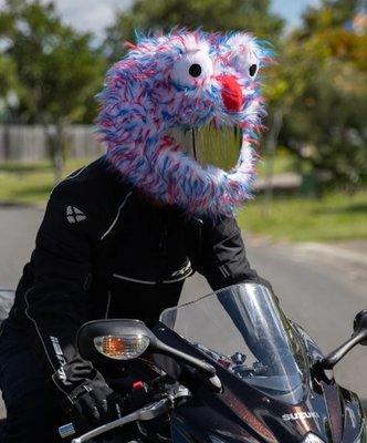 【丹】A_Moto Loot Helmet Cover 安全帽套 芝麻街 紅白藍