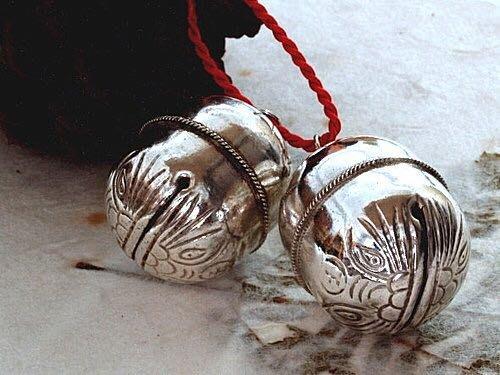【銀囍古董銀飾】老銀手鐲 純銀手鍊 明清老銀虎頭葫蘆形鈴鐺兩件(有聲響)