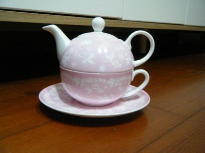 Haagen-Daze [ 哈根達斯]   粉色骨瓷 杯 / 盤 / 壺 3件組