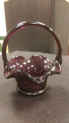 (河東堂)台灣古早時期,手工紫色玻璃小花籃