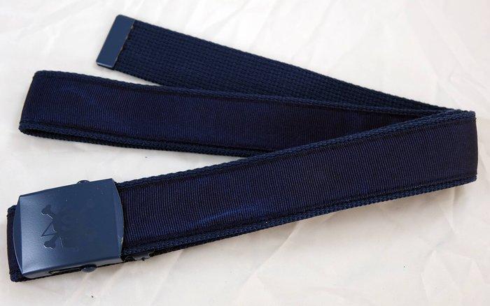 全新美國潮牌 Stussy 帥氣深藍色布面皮帶腰帶,正反面材質不同喔!只有一件喔!賣場有同款不同色腰帶喔!免運費!