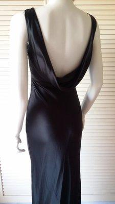 陳季敏 深黑 厚實絲緞 及地 露背禮服