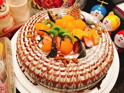 ❤ 歡迎自取 ❥ 雪屋麵包坊 ❥ 藝術款式 ❥ 織網 ❥ 12 吋生日蛋糕 ❥ 8折優惠中
