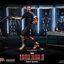 Hot toys Ironman TONY Workshop 100% 全新啡盒未開封 ( 已用透明膠袋包好, 啡盒保存良好 )