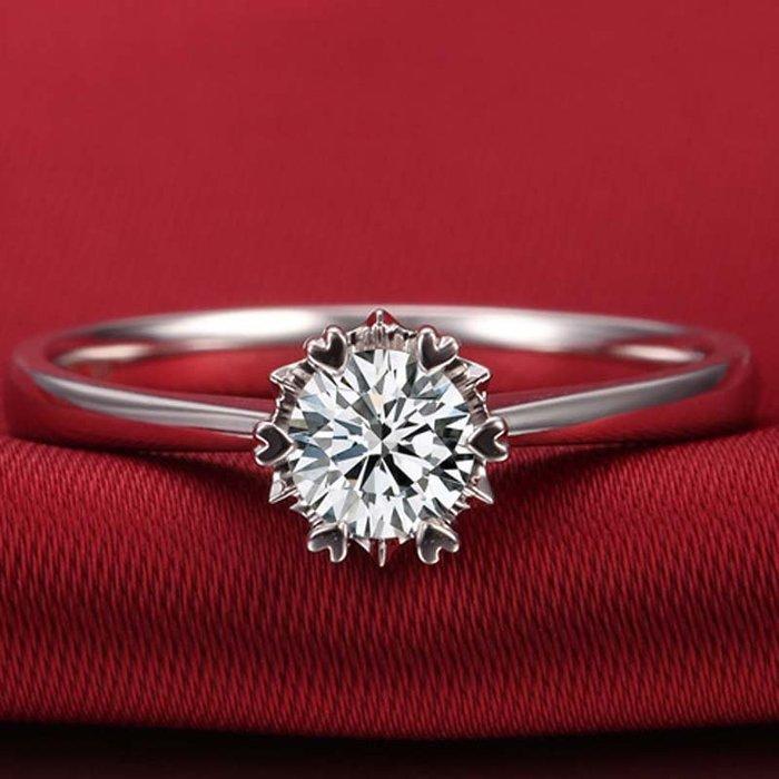 衣萊時尚-雪花鉆戒仿真鉆石50分1克拉人工鋯石結婚925銀莫桑石戒指女鍍鉑金