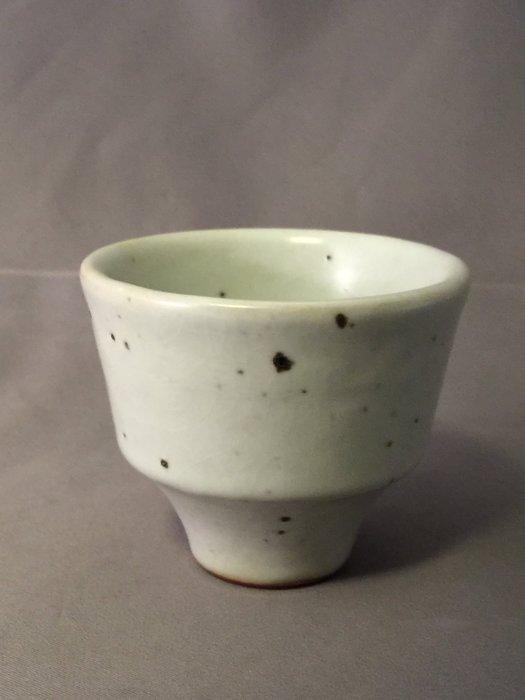 裕山[ 陶&茶 ]藝術.茶葉.茶器.--蔡家閎(豐之庭)老師作品--青瓷品杯jh008(6.6*6.6*4.8公分)