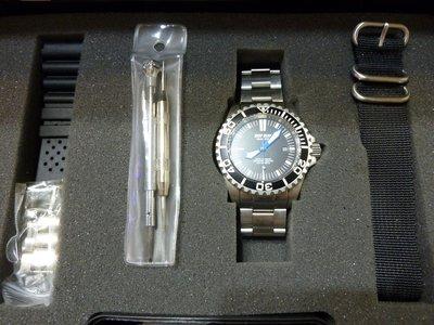 DEEP BLUE 機械防水錶