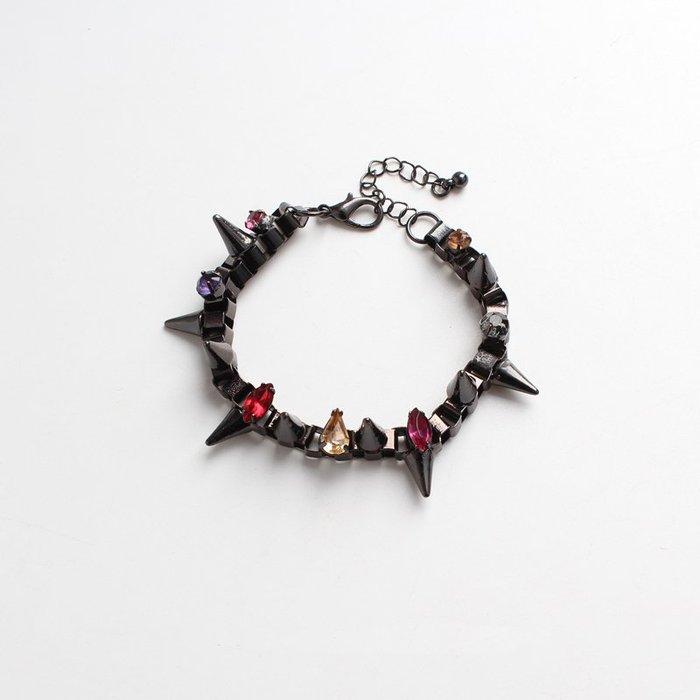 [C.M.平價精品館]現貨出清特價/別緻有型個性金屬鑲寶石手鍊手環 為平凡的衣服增添色彩