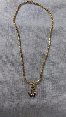 (搬家大出清)Vintage 某國際專櫃品牌海茅項鍊,黃金色鍊條,配藍、紅寶石,鍊長約42公分。墜飾長約2.8*最寬約1.8公分古董 黃金 dior alice