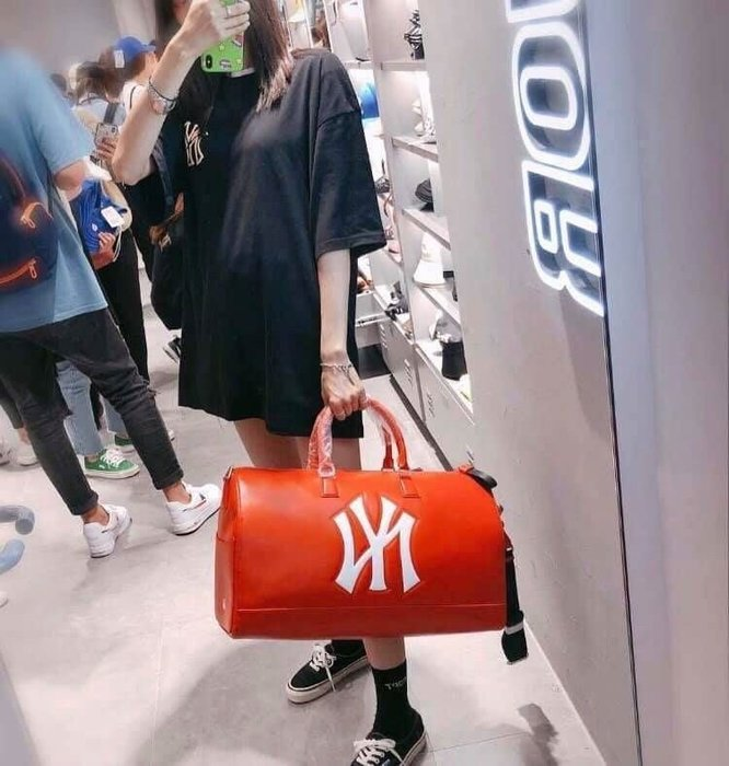 【Luxury】MLB NY洋基 紐約洋基隊 大LOGO 波士頓包 黑 紅 旅行包 運動包 手提包 男女 韓國代購 正品