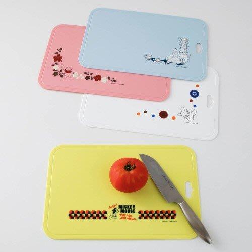 迪士尼Disney《預購》橡膠軟質砧板~小飛象 愛麗絲 米奇 維尼~抗菌加工處理~耐熱100度可機洗~日本製~心心小舖