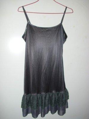 潮流帥衣 韓風鐵灰色金屬光澤 款蕾絲雪紗裙襬專櫃細肩帶性感睡衣可當內襯衣 虛字櫃