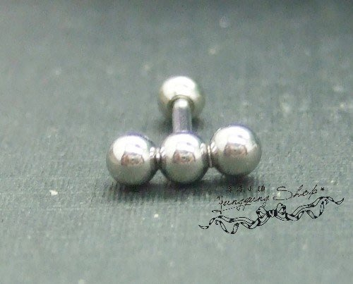 *。漾漾小舖*。時尚三球幾何感十足假擴耳環˙鋼【A2594】☆°單隻價