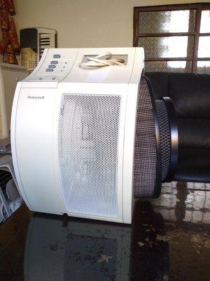 Honeywell空氣清淨機17250二手,附雙濾心,再送活性碳濾網