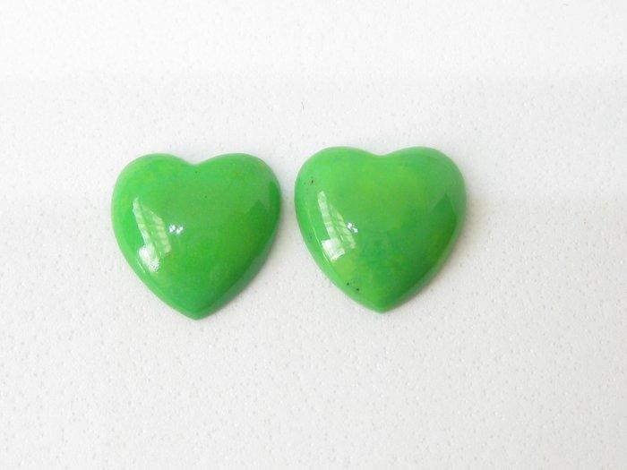 【Texture & Nobleness 低調與奢華】天然無處理 綠色綠松石 綠色土耳其石 心型蛋面 成對共5.5克拉