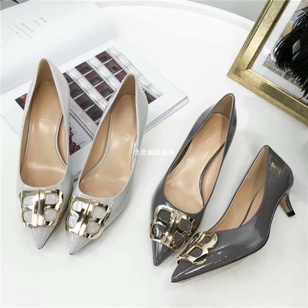 發發潮流服飾法莉嬌嬌FLJJ2019年新款真皮女單鞋淺口尖頭百搭金屬氣質時尚女鞋