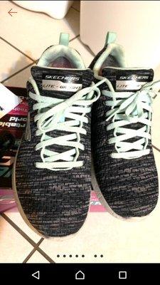 Skechers memory foam 運動鞋/健走鞋