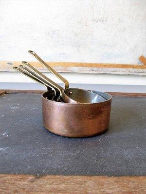 韓國老紅銅量杯,有四個,長10,5 -14,8 公分,厚重老銅, 內鍍錫,四個一標