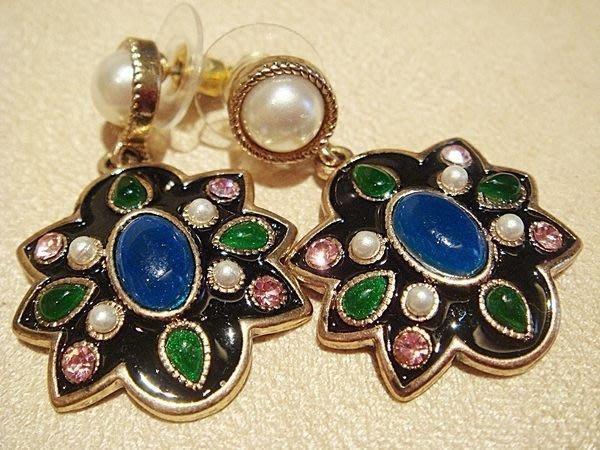大降價,美國帶回,全新從未戴過的 CAROLEE 仿珍珠寶石奢華造形穿式針式耳環,低價起標無底價!本商品免運費!