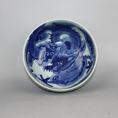 ㊣三顧茅廬㊣ 清中期青花過牆龍大碗釉下彩雙圈款古玩古董收藏細工
