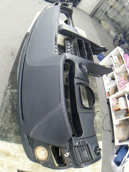 FS神工-BENZ W210儀表板總程編製牛皮,龜裂維修*FX35.IS250.LEXUS.INFINITY*