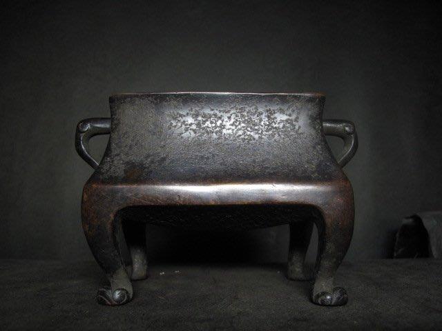 老銅爐 ◎  軸耳 方式 四足銅香爐【水雲居 款】