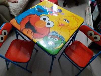 芝麻街兒童桌椅一套