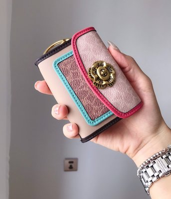 ㊣國際品牌COACH庫㊣美國代購COACH 鑰匙包 5月新款【2件免運】拼色款皮夾 PARKER掛件卡包 可愛女生零錢包