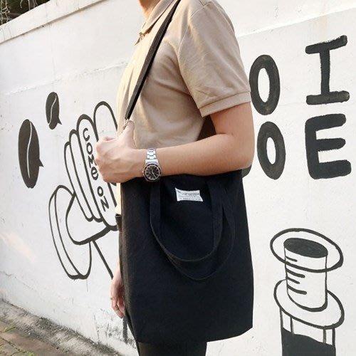♀高麗妹♀韓國 KKOMKOMI CANVAS BAG 黑與白 帆布側背包/斜肩包/情侶包/麻吉包(2款2色選)預購