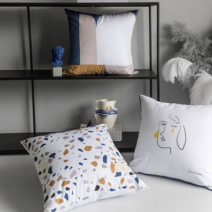 【Uluru】北歐簡約 Cabramatta 抱枕 靠枕 枕芯 45x45cm 水磨石 人臉 色塊 傢飾軟件 配件