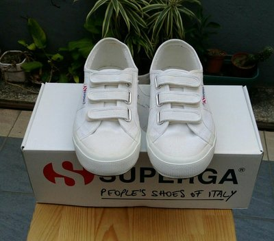 SUPERGA 帆布鞋 潮鞋 小白鞋魔鬼氈經典款(鞋號尺寸39號)因購買太小穿不下 台中市