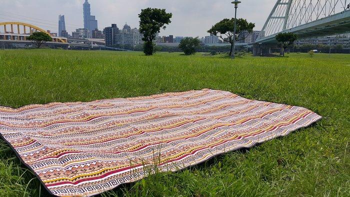 遊露民族/露營睡墊/地墊/防潮野餐墊/戶外露營用品/多用途毯/露營毯/地毯/防潮墊 ( 現貨)