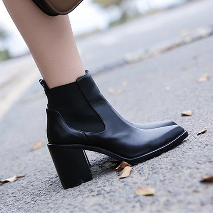Fashion*馬丁靴 英倫風時尚及裸靴 尖頭真皮切爾西短靴 粗跟高跟踝靴『黑色』34-40碼