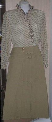 長袖上衣  立領捲花棕色點點雪紡紗 全新A字長裙布料 1套 購買價250元/上衣 購買價99元