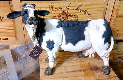 英國C.A乳牛黏土雕塑風格擺飾:英國 C.A 設計 擺飾 家飾 居家 乳牛 塑像 Poly 收藏