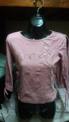 專櫃山形屋品牌粉紫色鏽珠背後網紗七分袖上衣