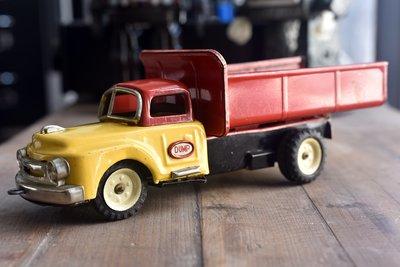 1960's D1955 Dump Truck. 稀有日本製早期原版鐵皮玩具 - 貨車