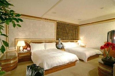 休閒咖*全省代訂房 $2850  礁溪  帥王溫泉大飯店 - 溫馨家庭房 四人住宿 +早餐