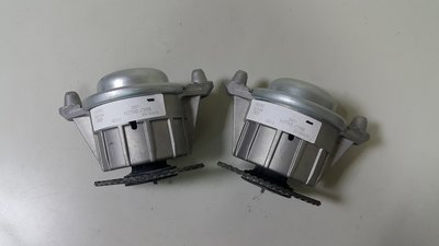 BENZ W212 M271 E200 E250 CGI 引擎腳 (2顆售價) (德國原裝進口貨) 2042404217